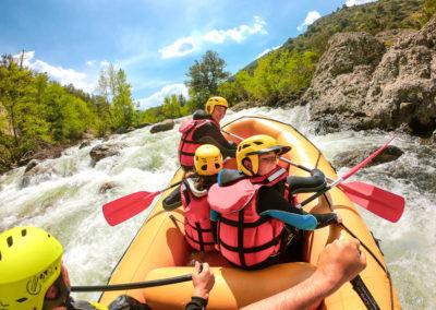 Fun family rafting